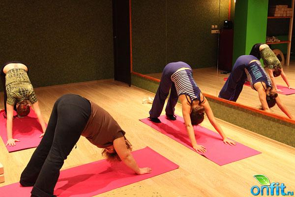«Йога смеха» в йога-центре «Лакшми»