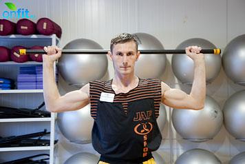 Комплекс упражнений для мужчин: вертикальный жим