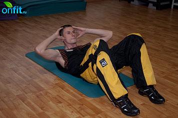 Комплекс упражнений для мужчин: скручивания