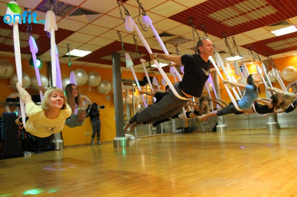 AntiGravity Yoga в Janinn Fitness и «Terrasport Коперник»: летают все!