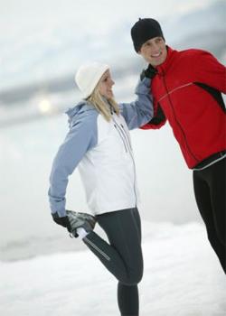 бег зимой нужно начинать с разминки и разогреваться медленно