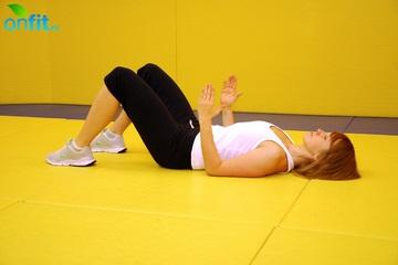 Упражнения для спины: подъем корпуса на локтях в положении лежа