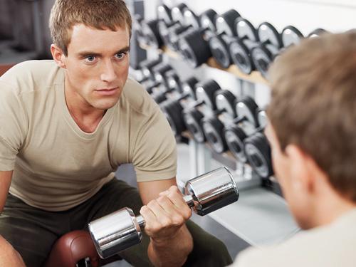 Скидки и подарки мужчинам в фитнес-центре «АВ-Флекс» с 23 по 29 февраля!