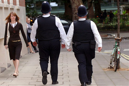 В Британии полицейских уволят за ожирение