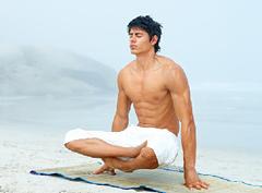 Йога для мужчин: подними свой тонус