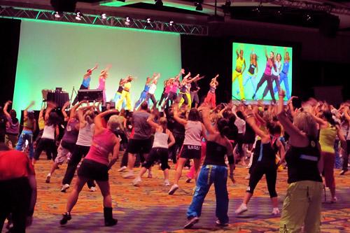 Фитнес-конвенция — значимое мероприятие для всех, кто ведёт активный образ жизни, хочет завязать полезные контакты и заявить о себе перед целевой аудиторией