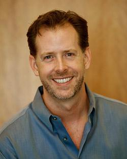 Джон Мур признанный эксперт в области маркетинга, бывший директор по маркетингу компании Whole Foods, а также знаток всех тонкостей эпического роста Starbucks до уровня иконы бренда.