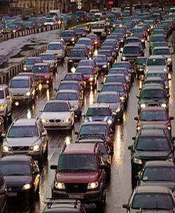 Те, кто живет в мегаполисах, не раз опаздывали на важное мероприятие или деловую встречу из-за транспортного коллапса.