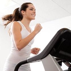 Физические нагрузки: Здесь лишь одно правило — не прекращать заниматься спортом.