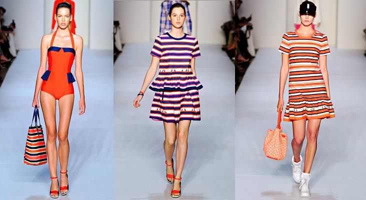 Обратите внимание на модную коллекцию от Marc by Marc Jacobs: здесь большой выбор платьев в полоску. Для активного отдыха можно использовать и объемные сумки из этой же коллекции — они идеально дополнят образ.