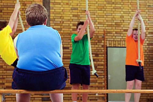 Конечно, можно предпринять решительные меры и записать ребенка в спортивную секцию.