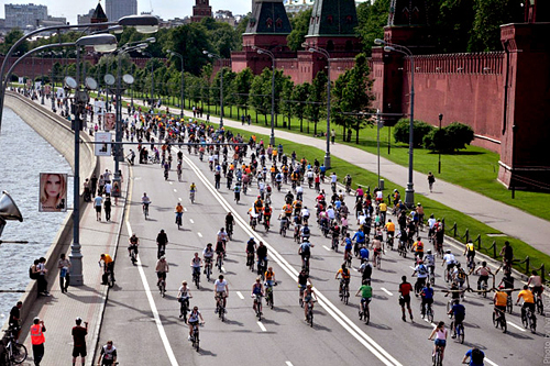 20 мая при поддержке СК «Новая Лига» состоялся велопарад Lets Bike It