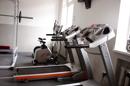 Только 28 мая стоимость карты в тренажерный зал на 1 год — 15 000 руб. в студии фитнеса «Лотос»!