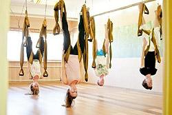 Бесплатные уроки «Йога в воздухе» в фитнес-студии «Лотос»!