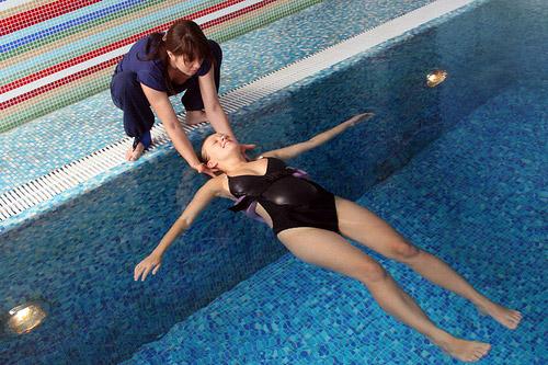 Упражнения для беременных в бассейне