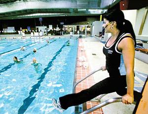 С персональным тренером можно заниматься в любой зоне фитнес-клуба: бассейне, зале групповых программ, тренажерном или кардиозале.