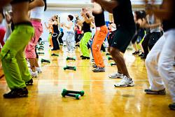 Абонемент на 8 занятий Zumba Fitness за 2 800 рублей в студии фитнеса «Лотос»!