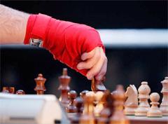 шахбоксе – нетривиальном сочетании двух, казалось бы, диаметрально противоположных видов спорта: шахмат и бокса.