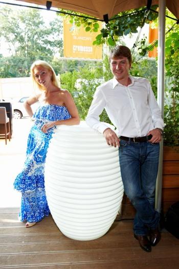 Алексей Ягудин учит звезд танцевать зумбу!