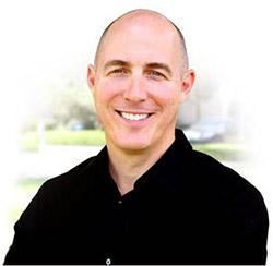 Преподаватель курса — Shelly Power (Шелли Пауер), директор и соучредитель центра Polestar Pilates Center Miami