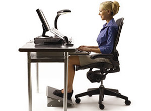 Простейшим упражнением может быть, например, сознательный контроль положение спины и головы во время работы за компьютером.