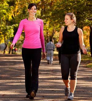 2 000 шагов в день — и вы всегда в хорошей форме: здоровы и подтянуты! Но для того, чтобы избавиться от уже накопившихся лишних килограммов, необходимо проходить не менее 10 000 шагов в день. Причем делать это нужно постоянно, соблюдая правила ходьбы для