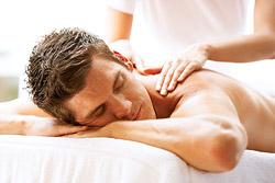 С 1 октября при покупке полугодового и годового абонементов расслабляющий массаж в подарок в фитнес-клубе стадиона и дворца спорта «Янтарь»