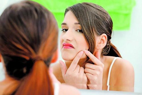 Одними из самых распространенных несовершенств кожи являются комедоны или «черные точки».