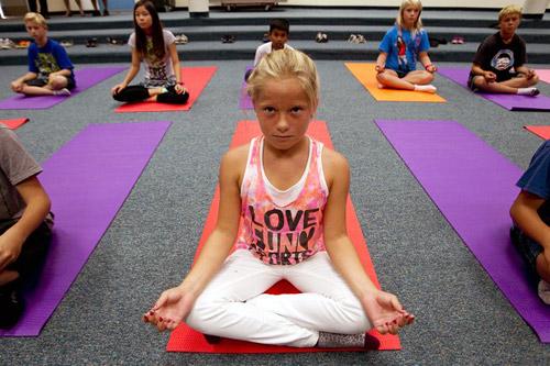 В США хотят запретить школьные уроки йоги