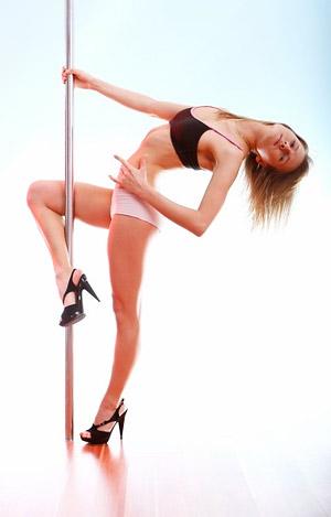 Чтобы танец получался красивым и грациозным, обращайте внимание на правильную постановку ног и хват пилона.