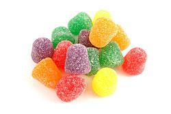 Мармелад. Несмотря на высокую калорийность, это лакомство очень полезно, т. к. способно выводить из организма накопившиеся токсины и шлаки, а также понизить уровень холестерина.