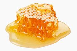 Мед. Данный продукт является отличным заменителем сахара.