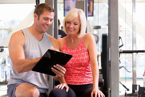 На первом занятии или консультации инструктор должен обязательно поинтересоваться вашим состоянием здоровья, выяснить начальную физическую и психологическую подготовку.