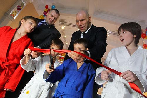 Торжественное открытие ринга «Школы бокса»