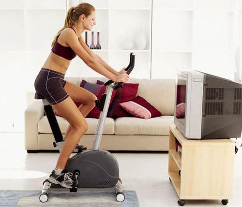 Тем, кто желает избавиться от лишнего веса, следует начинать тренировку с 1-3 минут самой легкой нагрузки, а затем увеличивать время.