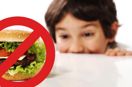 В Канаде планируют ввести ограничения на рекламу фастфуда