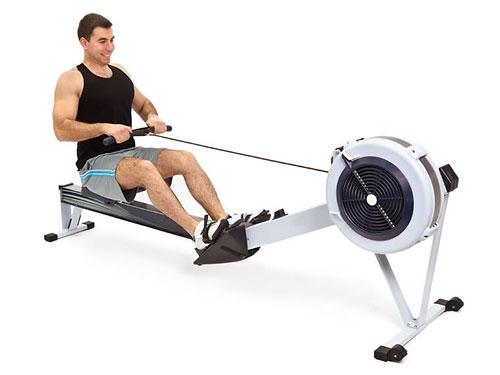 В качестве средств кросс-тренинга для бегунов предлагаются несколько видов тренировок, самые эффективные из которых: плавание, гребля, велосипед, упражнения на степпере, эллиптические тренажеры.