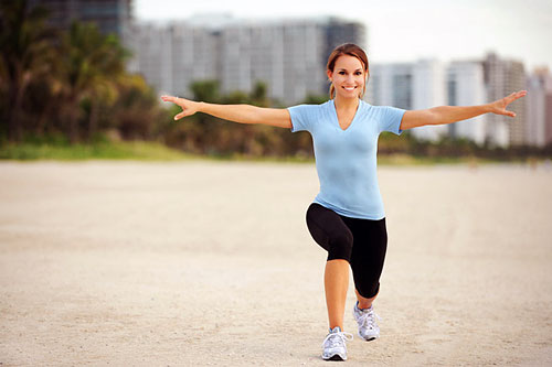 Красивый рельеф формируется с помощью регулярных спортивных тренировок и сбалансированного, здорового питания, в котором есть все необходимые макро- и микроэлементы.