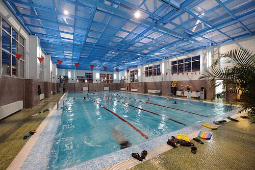 Фитнес-клуб Sporttown с 25-метровым бассейном
