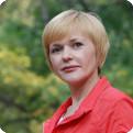 Тренировку «Здоровая спина» проведет главный тренер «Школы скандинавской ходьбы» Настя Полетаева.
