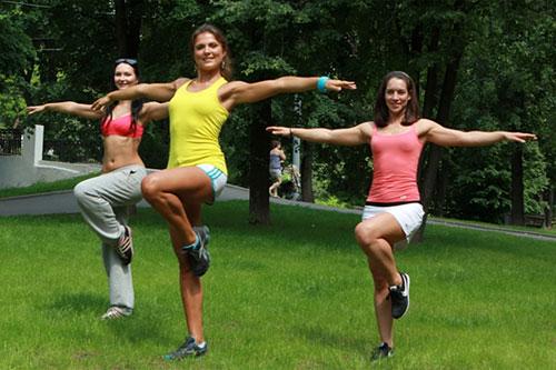 Спортивная тренировка в Парке на Пресне