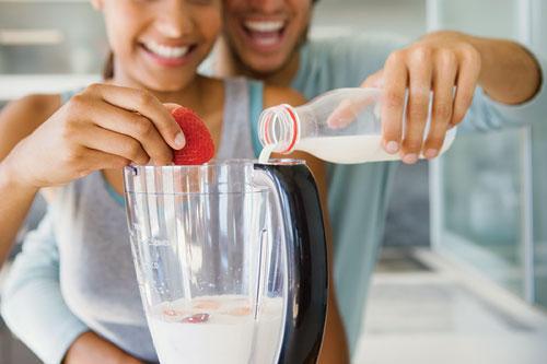 На первый и второй завтрак должно приходиться примерно 35% процентов от общей суточной калорийности рациона.