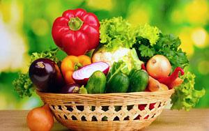 За 10-14 дней до начала основной программы очищения необходимо перейти на пищу растительного происхождения: несладкие фрукты, овощи, каши, зелень.