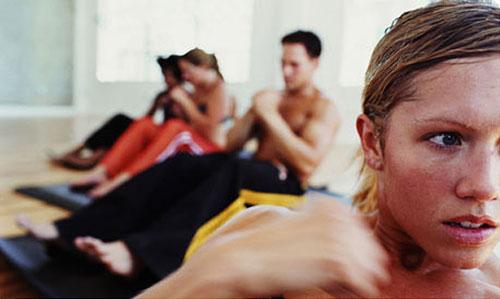 Женщинам тяжелее дается фитнес. Новое исследование