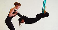 Специальное предложение на сплит-тренировки по аэройоге в FitFashion «Ginza Fitness»
