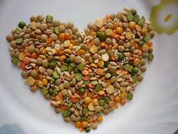 Чечевица и другие бобы  В этих культурах много растительного белка, который по своей питательной ценности не уступает белку животного происхождения.