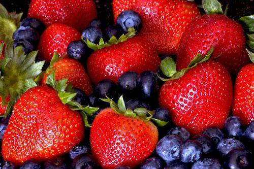 Самая распространенная ягода для похудения — клубника.