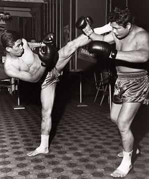 Тайский бокс считается национальным видом спорта в Таиланде и также известен, как «Искусство Восьми Конечностей».