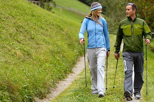 Палки против стресса: тренировка по скандинавской ходьбе