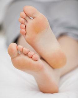 По данным статистики около 80% жителей мегаполиса страдают плоскостопием.